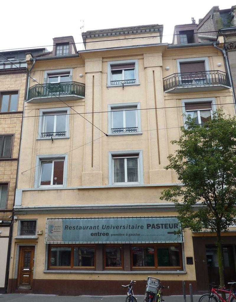 Viens donc faire un tour au Tigré... 800px-5_Rue_du_Faubourg_National_Strasbourg_14444